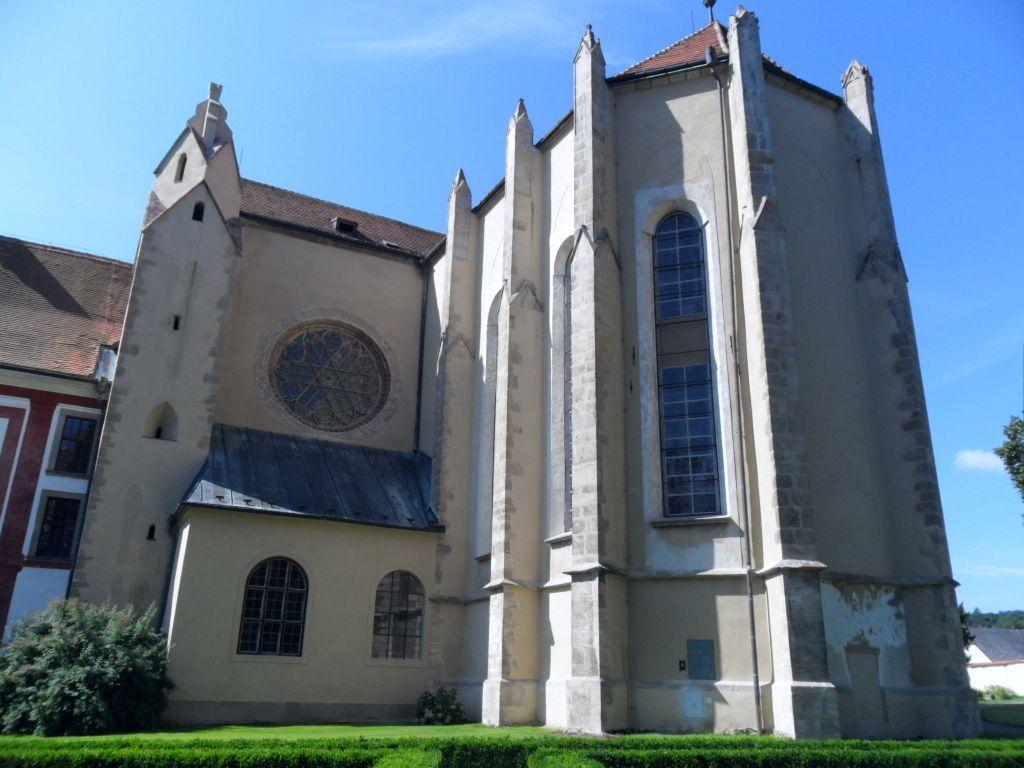 Zlatá Koruna, klášter a kostel Nanebevzetí Panny Marie