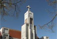 Hradec Králové - Pražské Předměstí, kostel Božského Srdce Páně