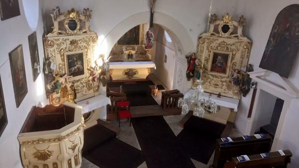 Chvatěruby, kostel sv. Petra a Pavla / interier kostela