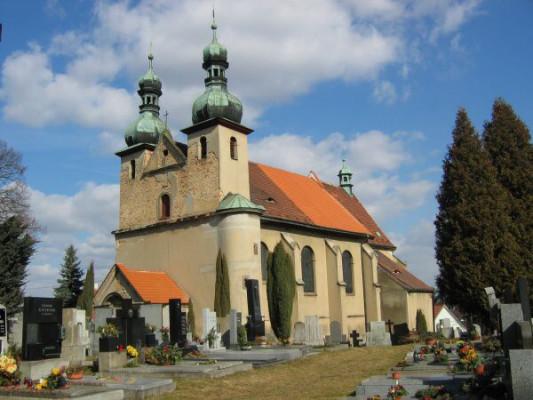 Dýšina, kostel Nejsvětější Trojice a sv. Šimona a Judy