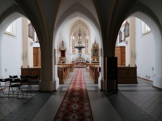 Kralupy nad Vltavou, kostel Nanebevzetí Panny Mari / interier kostela